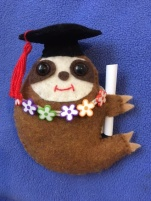 Grad sloth black cap and lei